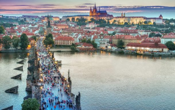 Visit Prague: the city that sleeps on the river